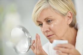 Macchie Senili: eliminarle con trattamenti mirati