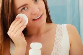 Pulizia del Viso: pelle Tonica e Funzionale a Casa